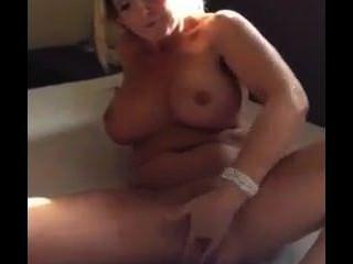 geil dutch Blondine mit großen Titten in 20 Sekunden spritzen
