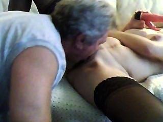 Schritt Vater früh nach Hause und leckt meine Muschi und anal