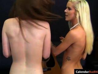 hot blonde verführt cute teen bei Vorsprechen