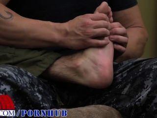 Fuß reiben führt zu ficken