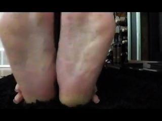 Ebenholz faltige Füße