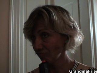 hot 3some mit Oma und Jungen jugendlich thiefs