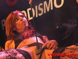 Vorbereitung von 3some auf der Bühne bianca resa y daniela evans von viciosillos