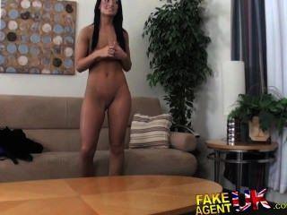 fakeagentuk midget cons sexy in Amateur Brünette gebräunt Sex