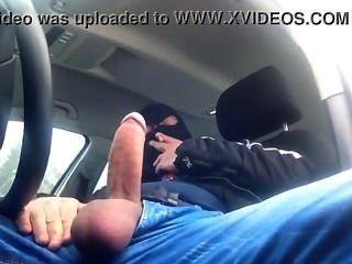 masturbándose en auto el