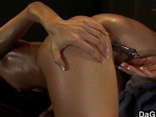 eine heiße Lesben Massage-Sitzung