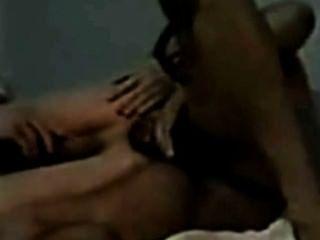 Dusche Aktion plus ein Monster schwarzen Schwanz einen jungen weißen Jungen in den Arsch ficken