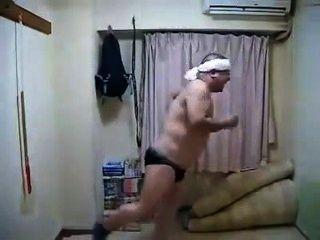 erotische geile japanische männliche Tanz