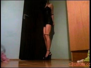 selfbound blond an der Tür
