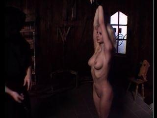 blonde Sklaven ausgezogen