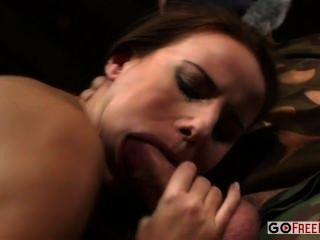 claudia rossi Hardcore-Dreier mit dp für eine geile Rookie mit großen Titten ein