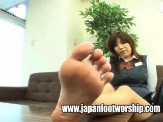 Fußfetisch - Bank Arbeiterin große Füße