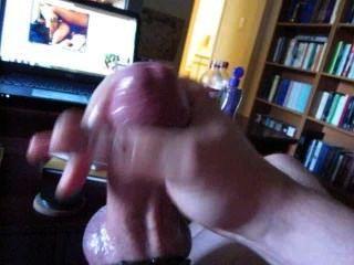 Rucken mit Gummi-Penisring aus