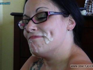 weiß bbw zeigt von vielen Schwänzen Gesichts Kompilation Sperma auf ihrem Gesicht ab