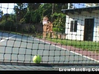 Teenis Ball, Ficken spielen