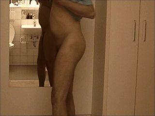 nakedboy 01 pornhub 7c8a1 jimmy AT1 il ragazzo si presenta kommen allo Nackt
