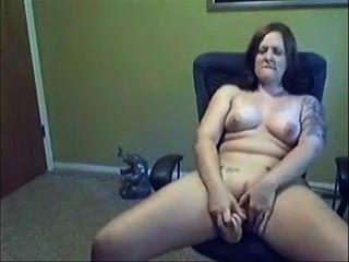 Brunette Amateur masturbieren und saugen Schwanz - hausgemachten Porno
