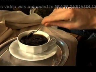 cum in Kaffee