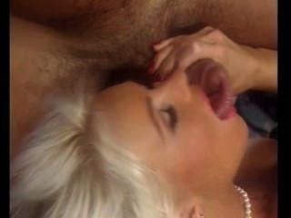 hot schöne blonde dutch Milf nimmt 100 abspritzen, Helen Duval