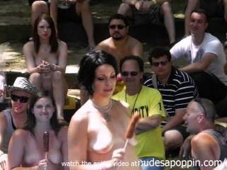 ehrfürchtige Amateuren Orgasmus und Blasen Wettbewerb