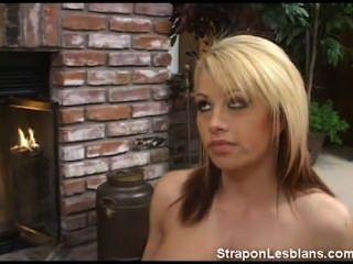brooke Strapon Lesben anal Strafe von sandra bekommen