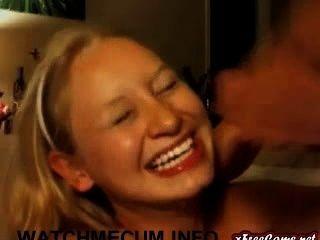 blonde teen cam Babe bekommt auf Live-Cam von bf Gesichts