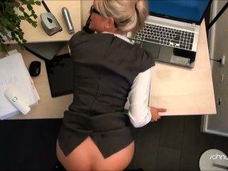 Blondine Büro ficken