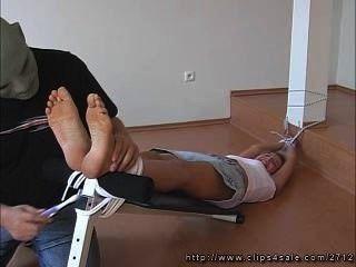 Janes Füße kitzeln 2