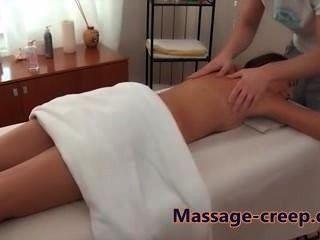 sexy Babe bekommt eine Pussy Massage