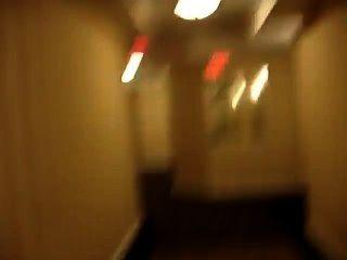nackt im Hotelflur und fast gefangen