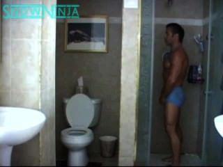 verbal italienische Bodybuilder Dusche & cum in umgekehrter