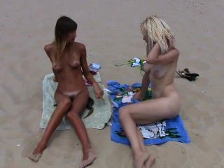 2 Teenager Nudisten