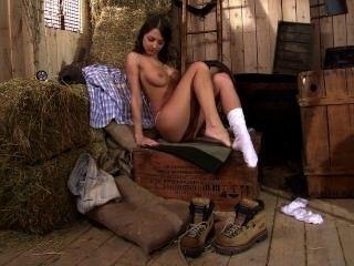 foxy di masturbieren und mit ihren Füßen spielen