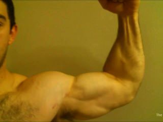 großspurig Bodybuilder