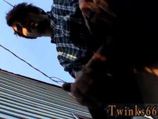 heiße Twink Szene gepisst und einige heiße Saft Rucken heraus!