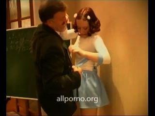 Lehrer gefickt meine heiße Schülerin