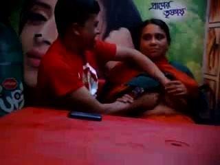 bangladeshi - Reife mit Liebhaber in Essen Café betrügt Frau