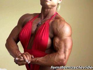 große weibliche Muskeln