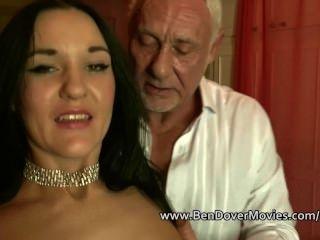 Babe mit 60 Jahre alten Mann in Radlett Swingerparty