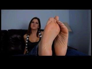 sexy Mädchen mit schönen feets pov necken