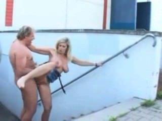 Deutsch sexy Piercings Deutsch MILF gepiercte Muschi und große Titten