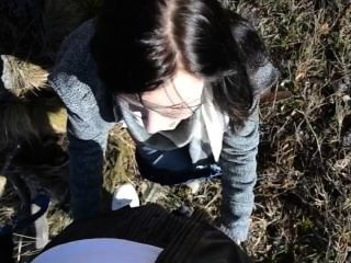 junge Mädchen Deutsch Blasen und ficken im Wald
