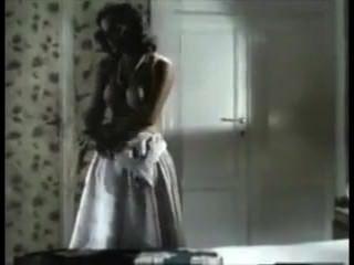 meine Mutter in ihrer Unterwäsche