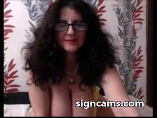vollbusige Amateur Oma uns ihre erstaunliche Titten auf Webcam zeigen