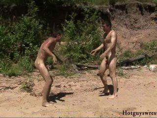 bech Jungen ringen nackt