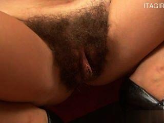 geile Mädchen doggy anal
