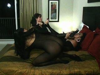 lesbischen Bodystocking Orgie mit sybian Reiten Pussy lecken Zeh Saugen!