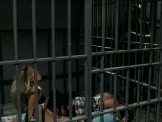 Jeanna Fine & Alicyn Sterling Gefängnis Dreier