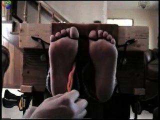 Fuß gekitzelt in Aktien
