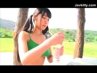 Nicht-nude flexible japanische Teenager